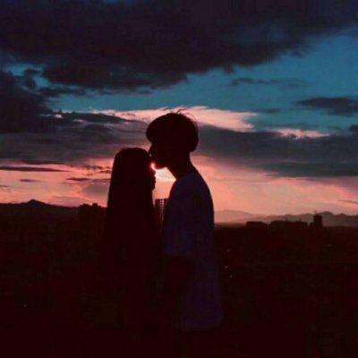 黄昏情侣头像一对两张高清好看的落日黄昏情侣头像背影