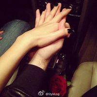 两只手牵手头像唯美浪漫的两只手拉手头像图片