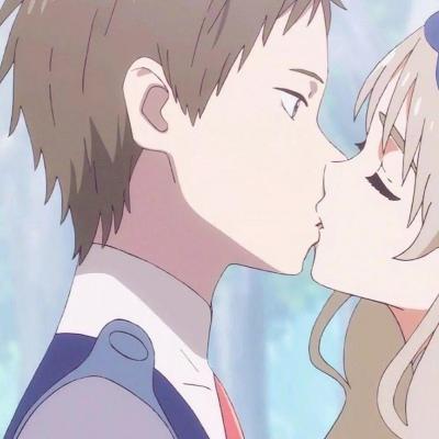动漫双人情头超甜高清好看的情侣头像超甜动漫接吻图片