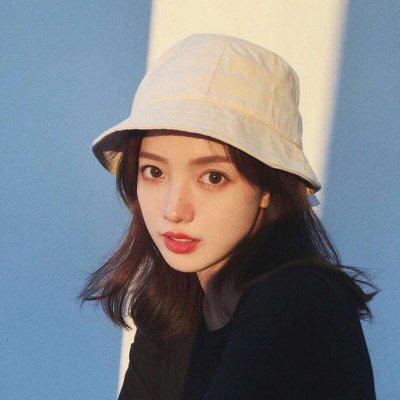 戴帽子女生头像唯美高清好看唯美的戴帽子女生头像图片