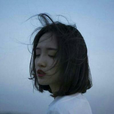 qq头像女生短头发高清个性好看的短头发女生头像图片