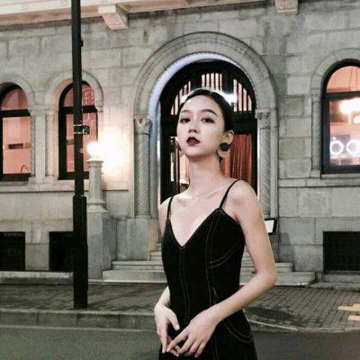 女生街拍头像高清潮流时尚的街拍美女头像图片