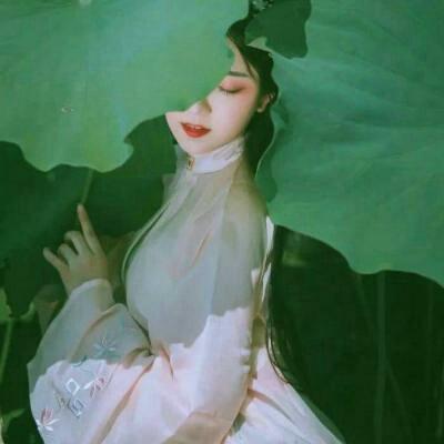 古风唯美诗意女生头像高清唯美充满诗意的女生头像图片