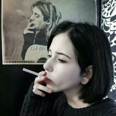 社会混混女生图片头像霸气抽烟的社会女头