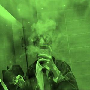 绿色系男生头像帅气高清帅气的绿色头像男生真人图片