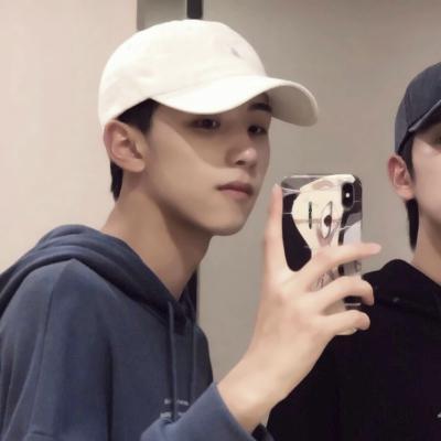 两个男生情侣头像高清真人的基友头像一左一右帅气图片