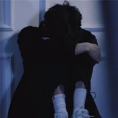 很丧很抑郁的男头像真人,高清被爱伤过的丧系男头抖音图片