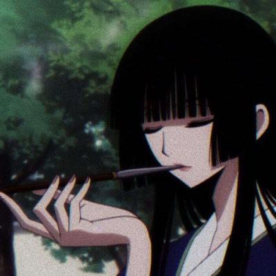 四月一日侑子头像高清好看的四月一日侑子抽烟头像图片