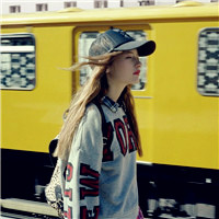 戴帽子的女人是不是感觉很时尚,带棒球帽的女生头像